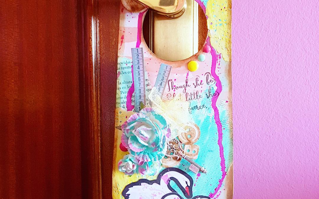 """Colgador de puerta """"Rosie's in Style"""" – Kira Creaciones"""