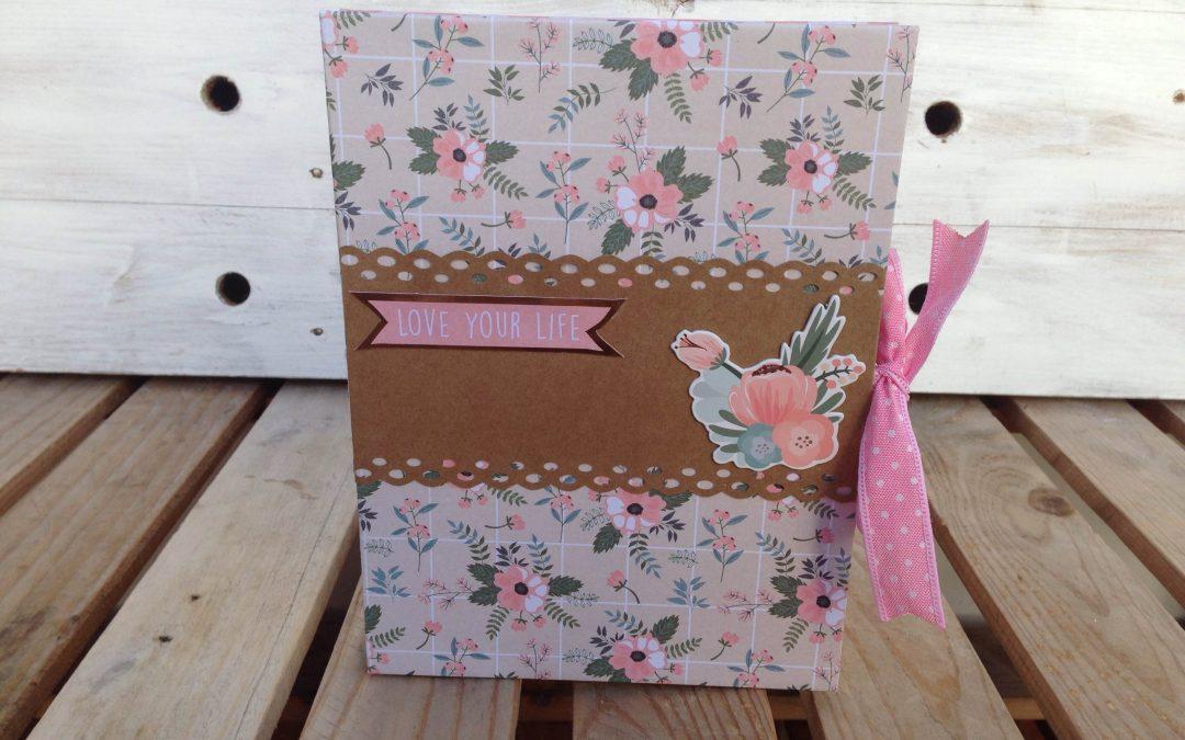 Flag book scrap con la colección «Rosie's in style» – Vanesa K-Mono
